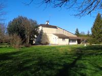 French property for sale in STE COLOMBE, Gironde - €318,000 - photo 8