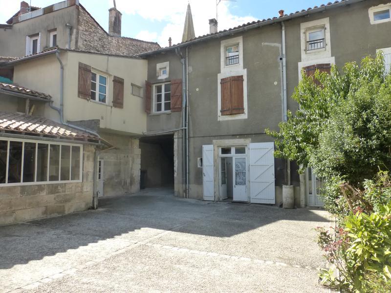Maison à vendre à LA ROCHEFOUCAULD(16110) - Charente