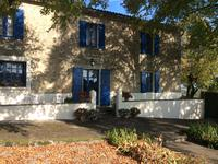 French property for sale in LE FLEIX, Gironde - €278,200 - photo 2