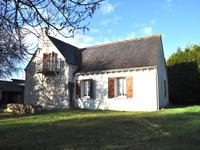 French property for sale in BOURGUEIL, Indre et Loire - €167,400 - photo 2
