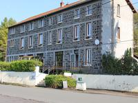 French property for sale in AYDAT, Puy de Dome - €477,000 - photo 1