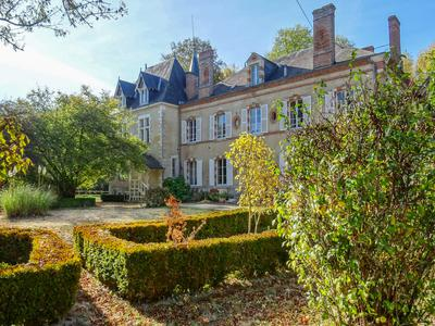 Château 6 bedrooms, set in 3 hectares of park with river and swimming pool, also owners house 6 bedrooms, and 2 other houses to renovate, large barn converted on two floors for public access huge potential for weddings, seminars etc, centre val-de-loire dept Cher 18