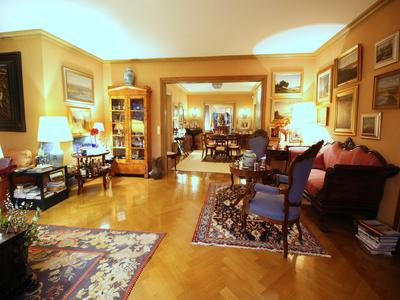 Avenue Foch near Etoile - Paris 16 - 2/3 bedroom apartment 200 sqm