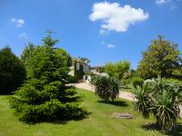 French property, houses and homes for sale inBOURGGironde Aquitaine