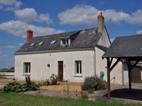 French property for sale in PARCAY LES PINS, Maine et Loire - €194,400 - photo 2
