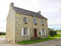 French property for sale in SIZUN, Finistere - €82,500 - photo 2