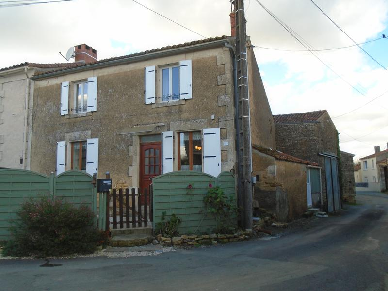 Maison à vendre à BAZOGES EN PAREDS(85390) - Vendee