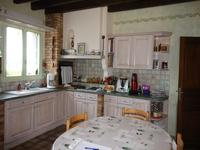 French property for sale in FONTAINE COUVERTE, Mayenne - €320,400 - photo 2
