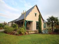 French property for sale in FONTAINE COUVERTE, Mayenne - €320,400 - photo 1