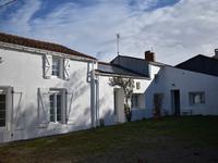 maison à vendre à ST CYR DU DORET, Charente_Maritime, Poitou_Charentes, avec Leggett Immobilier