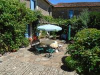 French property for sale in BAZOGES EN PAREDS, Vendee - €567,100 - photo 1