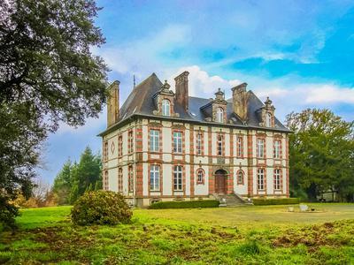 chateauin PLEYBEN