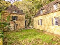 French property for sale in BEYNAC ET CAZENAC, Dordogne - €297,000 - photo 2