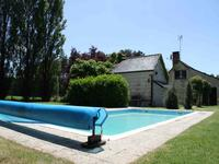 French property for sale in LONGUE JUMELLES, Maine et Loire - €298,000 - photo 2