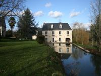 French property for sale in NEUILLE PONT PIERRE, Indre et Loire - €795,000 - photo 2