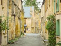 French property for sale in MONTIGNAC, Dordogne - €124,000 - photo 2