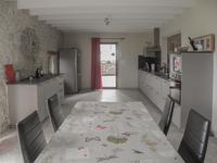 French property for sale in BEAUGAS, Lot et Garonne - €402,800 - photo 2