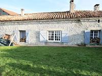 French property for sale in MAGNAC LAVALETTE VILLARS, Charente - €165,000 - photo 3