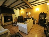 French property for sale in MALGUENAC, Morbihan - €162,900 - photo 2