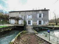 Maison à vendre à CHAMPAGNE MOUTON en Charente - photo 1