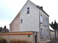 French property for sale in PARCAY LES PINS, Maine et Loire - €162,000 - photo 2