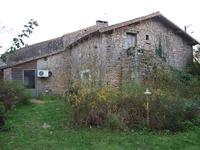 French property for sale in ST SAUVANT, Vienne - €130,800 - photo 3