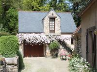 French property for sale in PLOUEGAT GUERAND, Finistere - €261,995 - photo 2