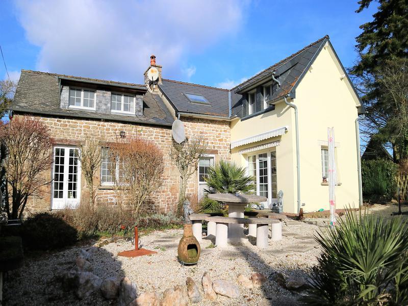 Maison à vendre à ST BERTHEVIN LA TANNIERE(53220) - Mayenne