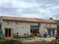houses and homes for sale inCHAMPNIERSVienne Poitou_Charentes