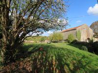 French property for sale in MANSLE, Charente - €109,000 - photo 3