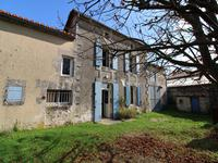 French property for sale in MANSLE, Charente - €109,000 - photo 2