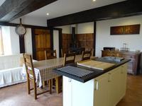 Maison à vendre à BARBEZIEUX ST HILAIRE en Charente - photo 4