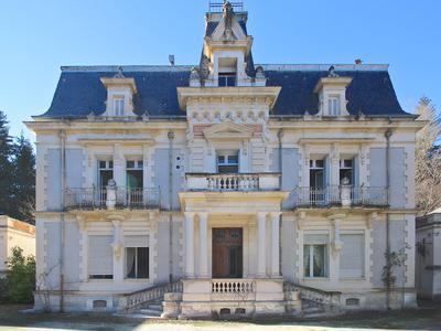 chateauin ST LAURENT DE CERDANS