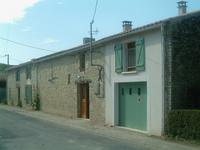 French property for sale in SAINT-PIERRE D AMILLY, Charente Maritime - €296,600 - photo 2