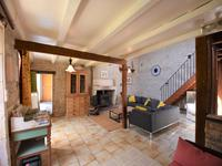 French property for sale in ST PIERRE D AMILLY, Charente Maritime - €289,000 - photo 5