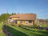 French property for sale in CHEVANCEAUX, Charente Maritime - €299,995 - photo 2