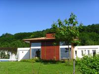 French property, houses and homes for sale inPORT STE FOY ET PONCHAPTGironde Aquitaine