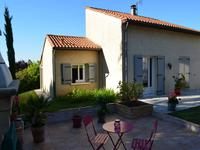 French property for sale in ROULLET ST ESTEPHE, Charente - €226,000 - photo 2