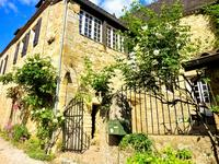 French property for sale in BEYNAC ET CAZENAC, Dordogne - €299,600 - photo 1