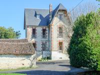 French property for sale in BEAUVAIS SUR MATHA, Charente Maritime - €265,500 - photo 1