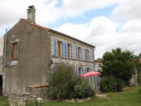 French property for sale in RANVILLE BREUILLAUD, Charente - €167,400 - photo 2