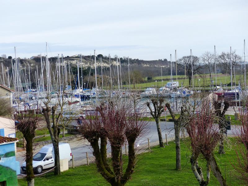 Appartement 3 pièces à vendre à MORTAGNE SUR GIRONDE (17120) -  Charente Maritime