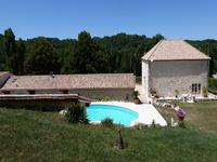 French property for sale in PUJOLS, Lot et Garonne - €412,200 - photo 2