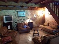 French property for sale in BEAUVILLE, Lot et Garonne - €445,200 - photo 4
