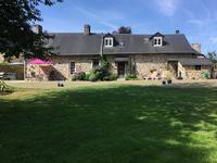 French property for sale in COUESMES VAUCE, Mayenne - €165,000 - photo 5
