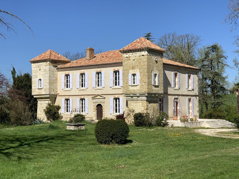 Chateau à vendre à MAUVEZIN(32120) - Gers