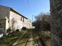 French property for sale in FONTAINE CHALENDRAY, Charente Maritime - €189,000 - photo 2