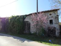 French property for sale in LES SALLES LAVAUGUYON, Haute Vienne - €22,000 - photo 6