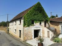 houses and homes for sale inVARAIGNESDordogne Aquitaine