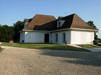 French property for sale in COGNAC, Charente - €367,500 - photo 2